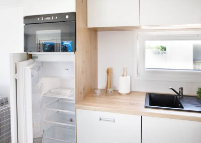 husvogn kjøleskap og servant